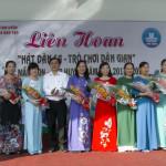 LIEN HOAN TRO CHOI DAN GIAN (2)